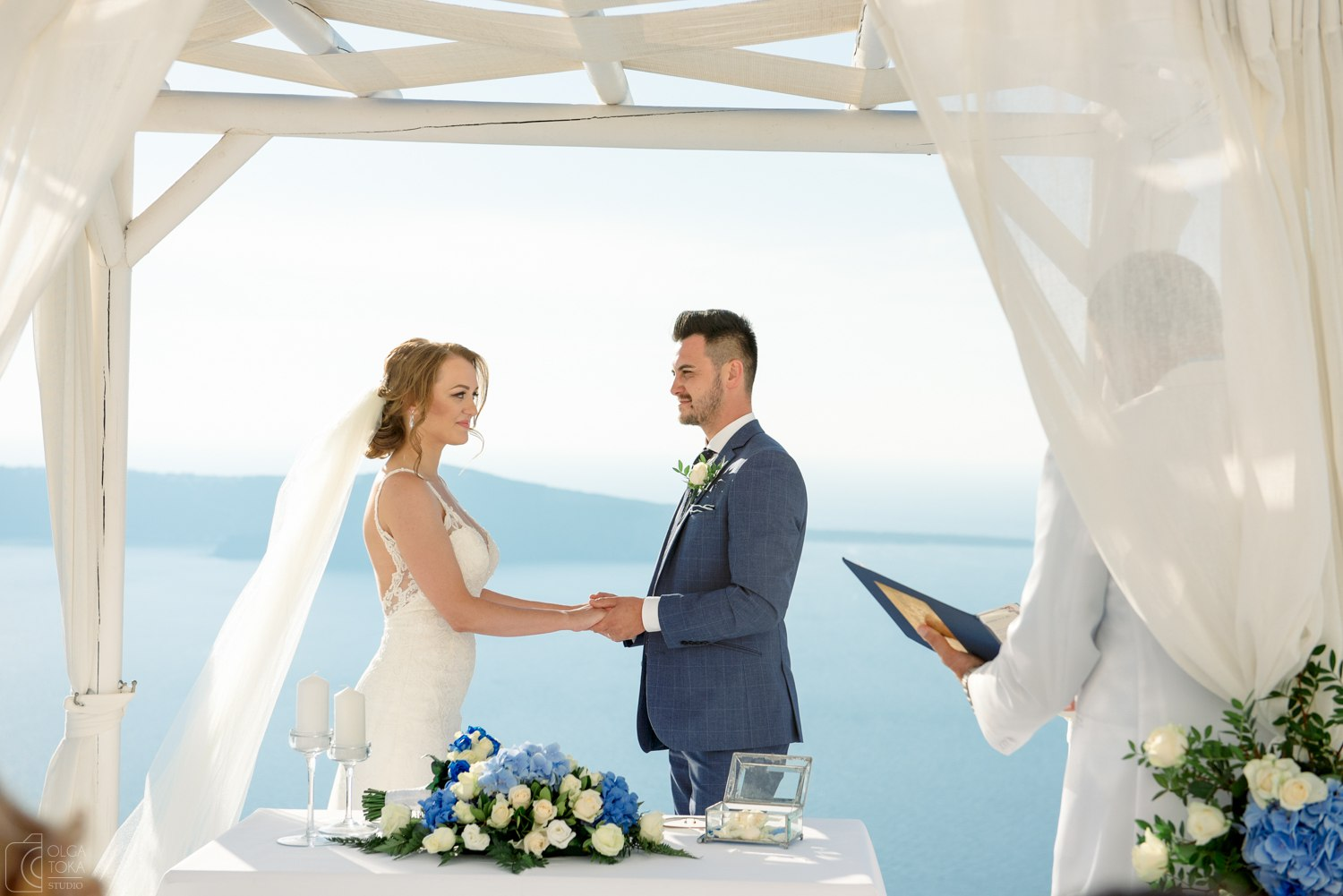 what is the wedding ceremony in Santorini about?